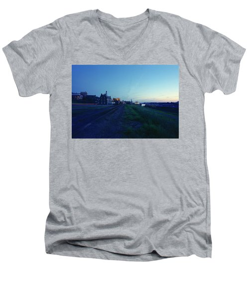 Night Moves On The Mississippi Men's V-Neck T-Shirt by Jan W Faul