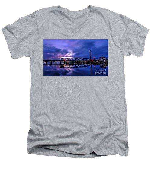 Night Swing Bridge Men's V-Neck T-Shirt