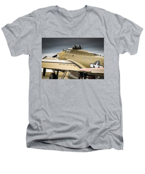 Nine-0-nine Men's V-Neck T-Shirt