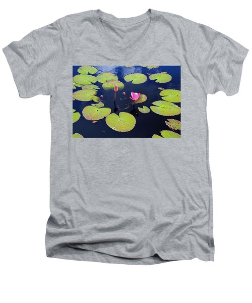 No Man's Land Men's V-Neck T-Shirt