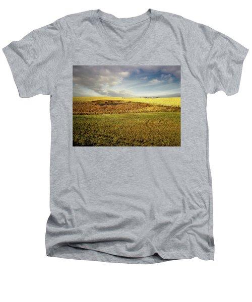 Nodak Field Men's V-Neck T-Shirt
