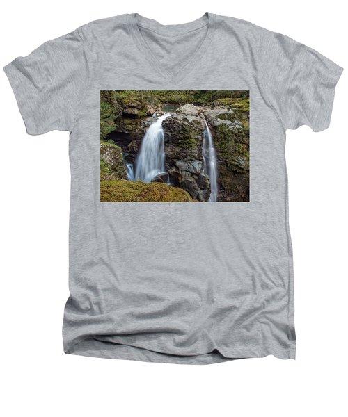 Nooksak Falls Men's V-Neck T-Shirt