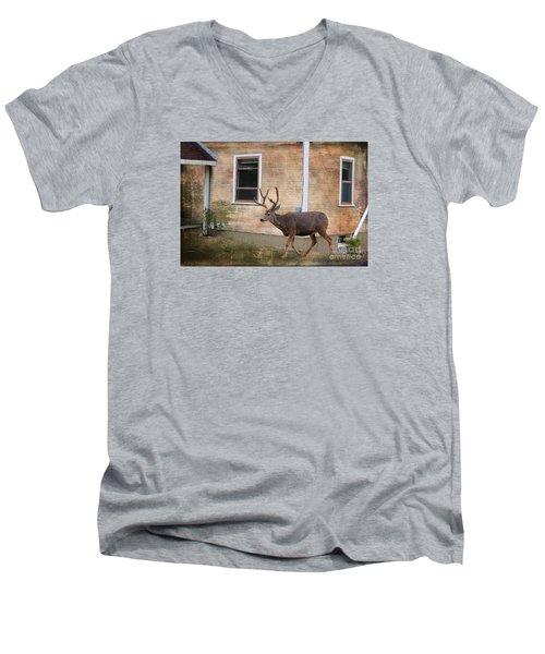 Northern Exposure Photo Paint Men's V-Neck T-Shirt