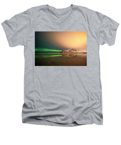 Northern Light In Lofoten Nordland 5 Men's V-Neck T-Shirt by Dubi Roman