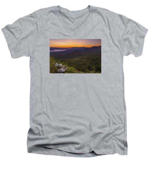 Nubble Sunrise Men's V-Neck T-Shirt