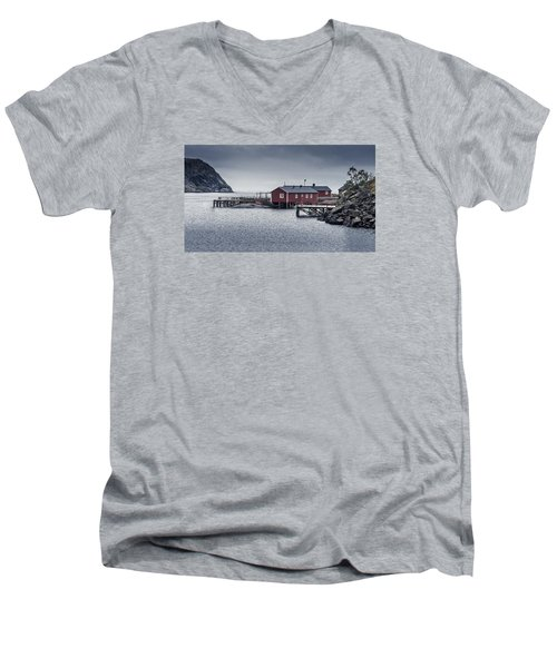 Nusfjord Rorbu Men's V-Neck T-Shirt