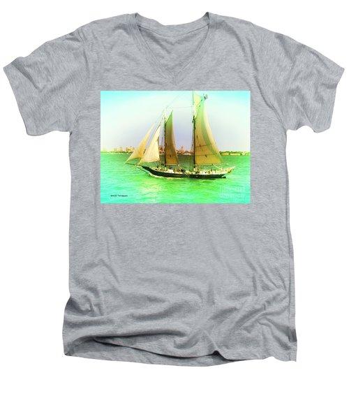 Nyc Sailing Men's V-Neck T-Shirt