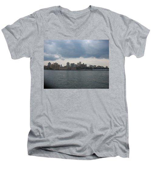 Nyc4 Men's V-Neck T-Shirt