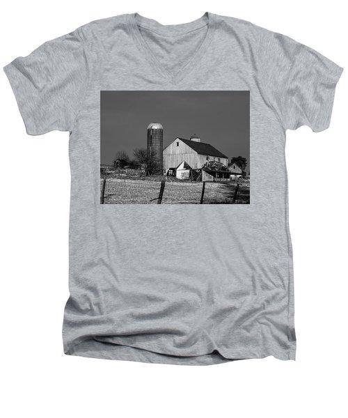 Old Barn 1 Men's V-Neck T-Shirt