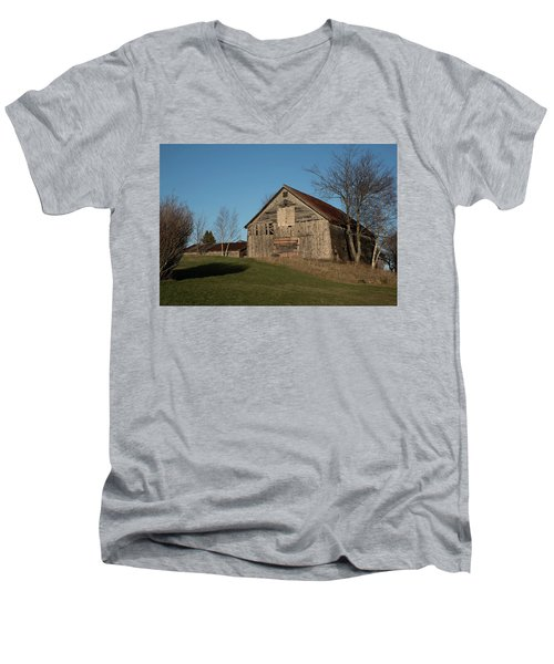 Old Barn On A Hill Men's V-Neck T-Shirt