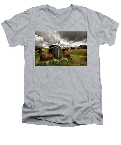 Old  Car Bodie State Park Men's V-Neck T-Shirt