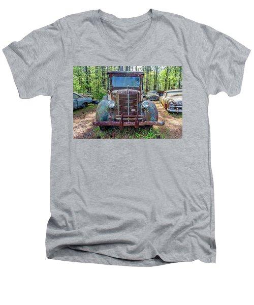Old Car Smile Men's V-Neck T-Shirt