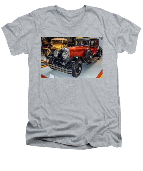 Old Car Men's V-Neck T-Shirt