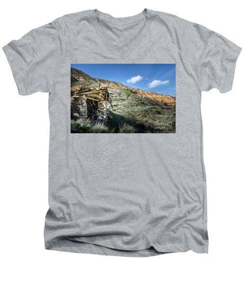 Men's V-Neck T-Shirt featuring the photograph Old Country Hovel by RicardMN Photography