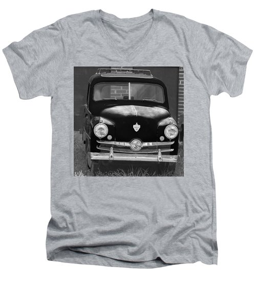 Old Crosley Motor Car Men's V-Neck T-Shirt