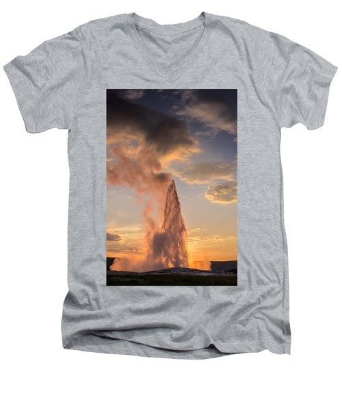 Old Faithful Yellowstone Men's V-Neck T-Shirt