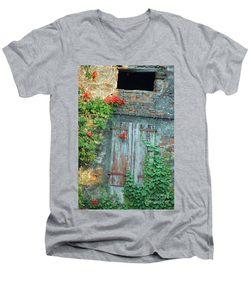 Old Farm Door Men's V-Neck T-Shirt