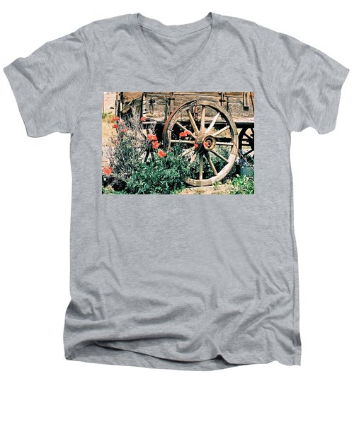 Old Freight Wagon Men's V-Neck T-Shirt