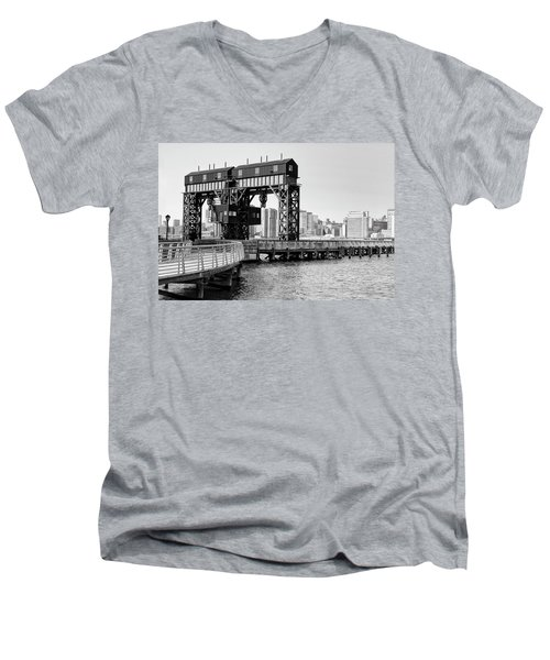 Old Gantry Men's V-Neck T-Shirt