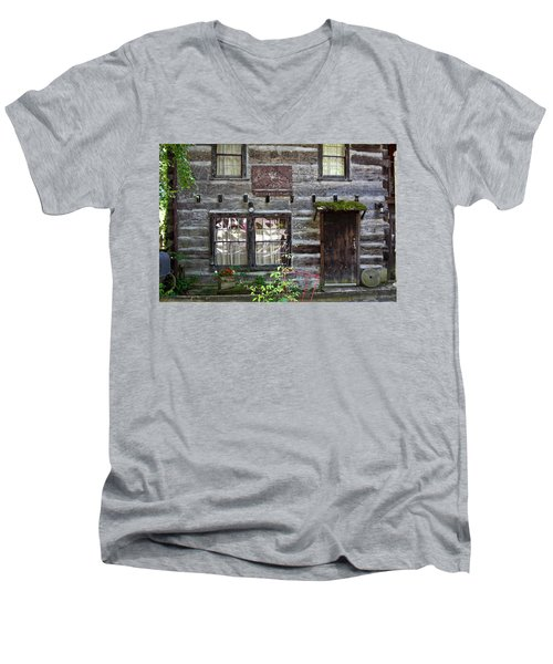 Old Log Building Men's V-Neck T-Shirt