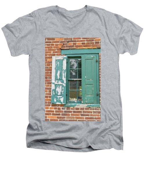 Old Shuttered Door Men's V-Neck T-Shirt