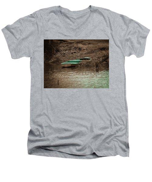 Old Skiff Men's V-Neck T-Shirt