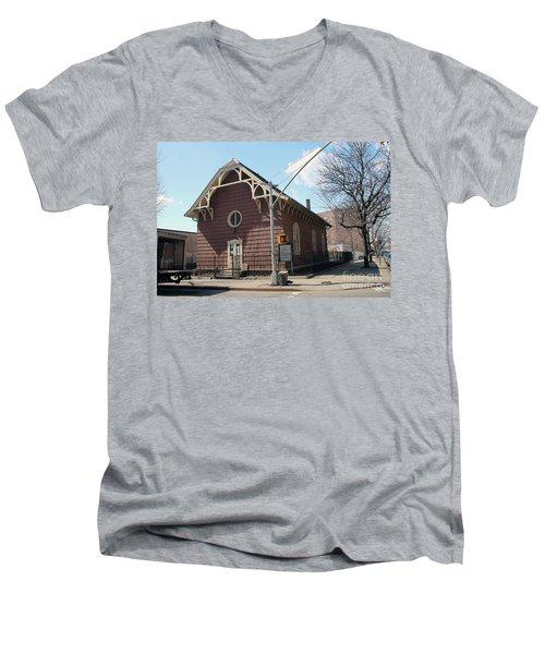 Old St. James Church  Men's V-Neck T-Shirt