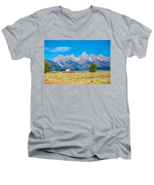 Men's V-Neck T-Shirt featuring the photograph Old Time Community by Robert Pearson