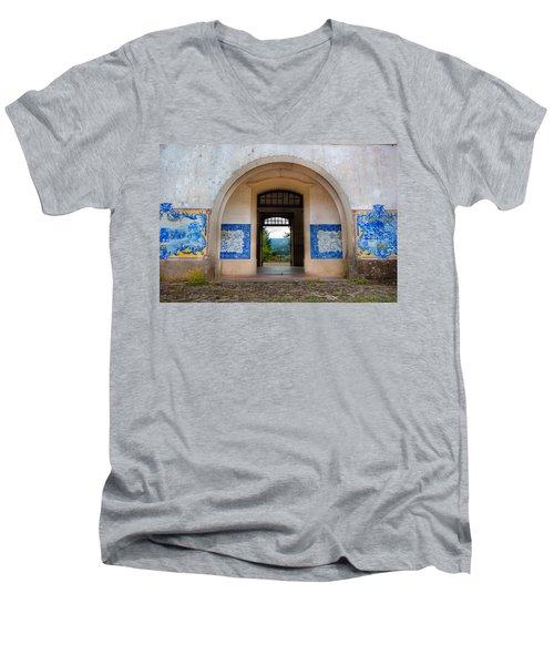 Old Train Station Men's V-Neck T-Shirt