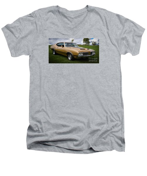 Oldsmobile 442 Men's V-Neck T-Shirt