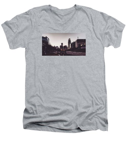 Omaha Men's V-Neck T-Shirt