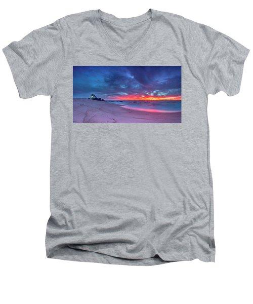On Fire V2 Men's V-Neck T-Shirt