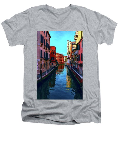 one of the many beautiful old Venetian canals on a Sunny summer day Men's V-Neck T-Shirt