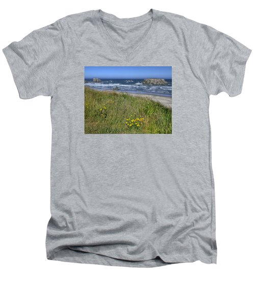 Men's V-Neck T-Shirt featuring the photograph Oregon Beauty by Wanda Krack