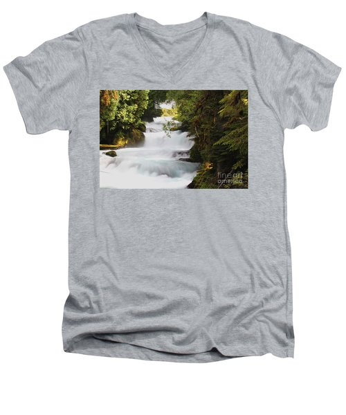 Oregon Cascade Men's V-Neck T-Shirt