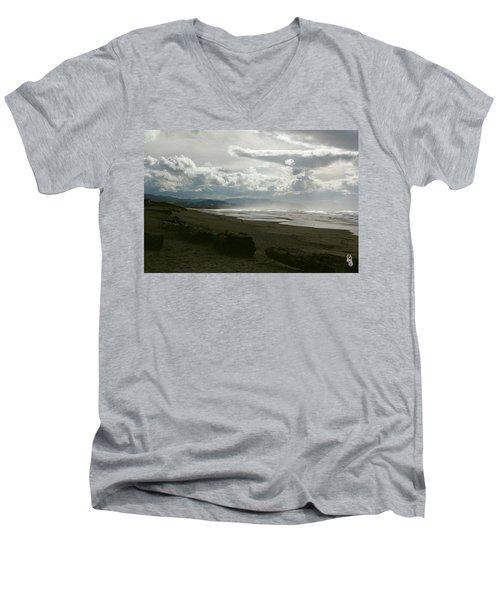 Oregon Coast 10 Men's V-Neck T-Shirt