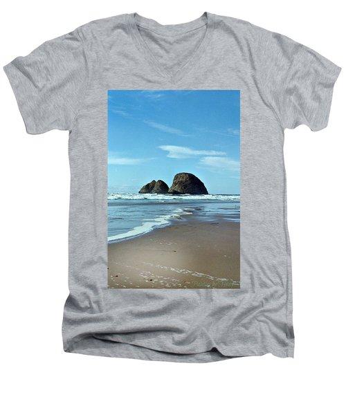 Oregon Coast 8 Men's V-Neck T-Shirt
