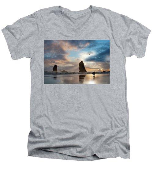 Oregon Coastine Men's V-Neck T-Shirt