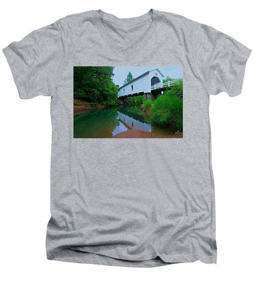 Oregon Covered Bridge Men's V-Neck T-Shirt