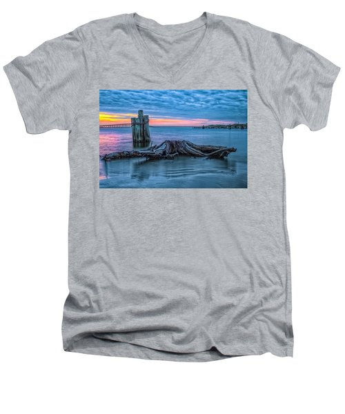 Oregon Inlet II Men's V-Neck T-Shirt