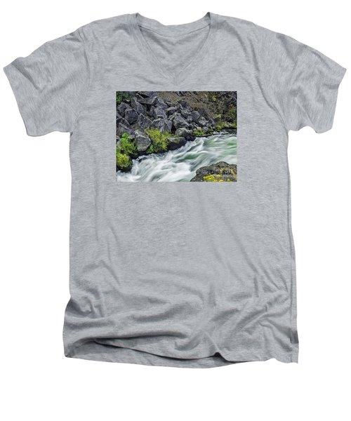 Oregon's Dillon Falls Men's V-Neck T-Shirt