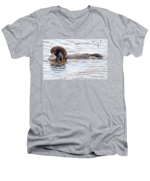 Otter Love Men's V-Neck T-Shirt