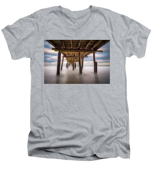 Outer Banks Nc Seascape Nags Head North Carolina Men's V-Neck T-Shirt