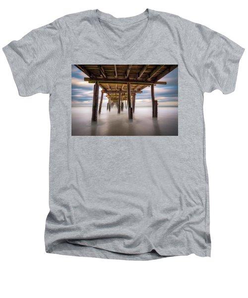 Outer Banks Nc Seascape Nags Head North Carolina Men's V-Neck T-Shirt