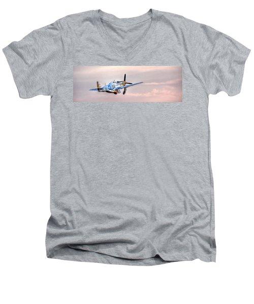P-51 Mustang Taking Off Men's V-Neck T-Shirt