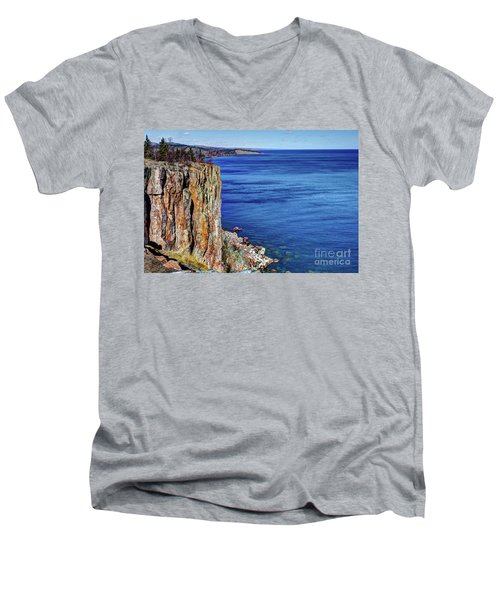 Palisade Head Tettegouche State Park North Shore Lake Superior Mn Men's V-Neck T-Shirt