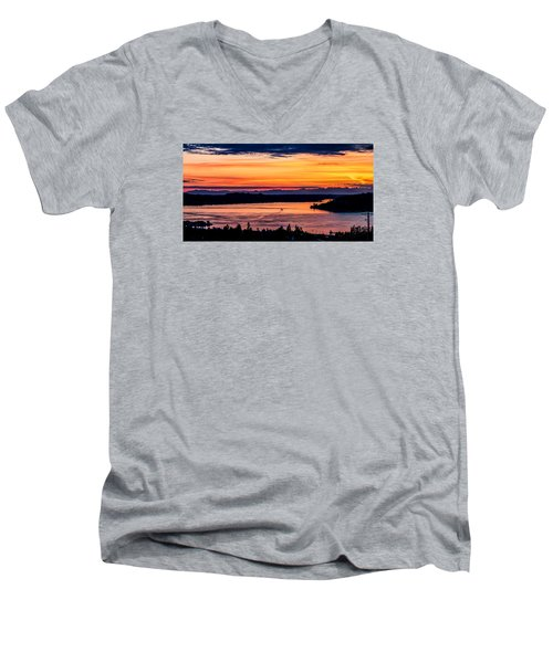 Panoramic Sunset Over Hail Passage E Series On The Puget Sound Men's V-Neck T-Shirt