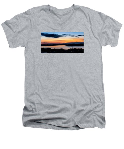 Panoramic Sunset Over Hail Passage  Men's V-Neck T-Shirt by Rob Green