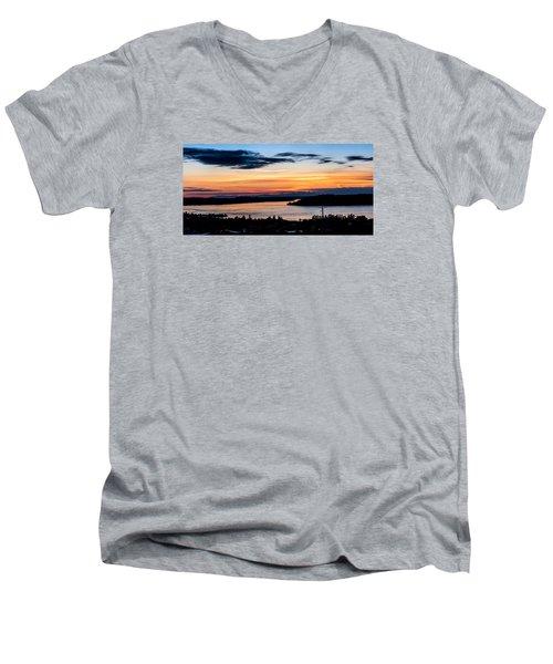 Panoramic Sunset Over Hail Passage  Men's V-Neck T-Shirt