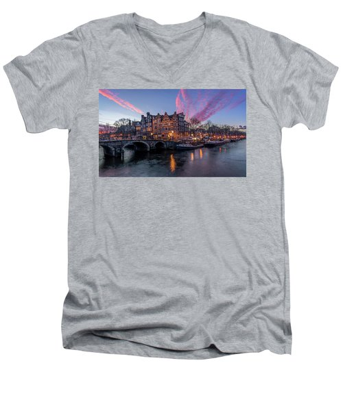 Papiermolensluis Men's V-Neck T-Shirt